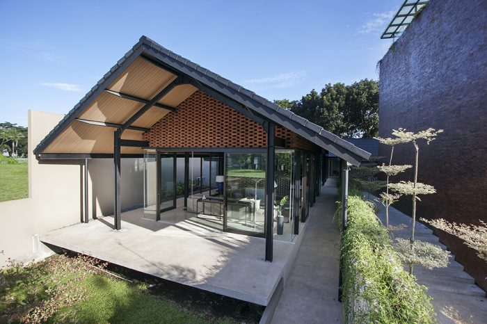 Kampung House By Paulus Setyabudi Architects Archinesia - Contemporary-house-architecture-to-get-surroundings-of-nature