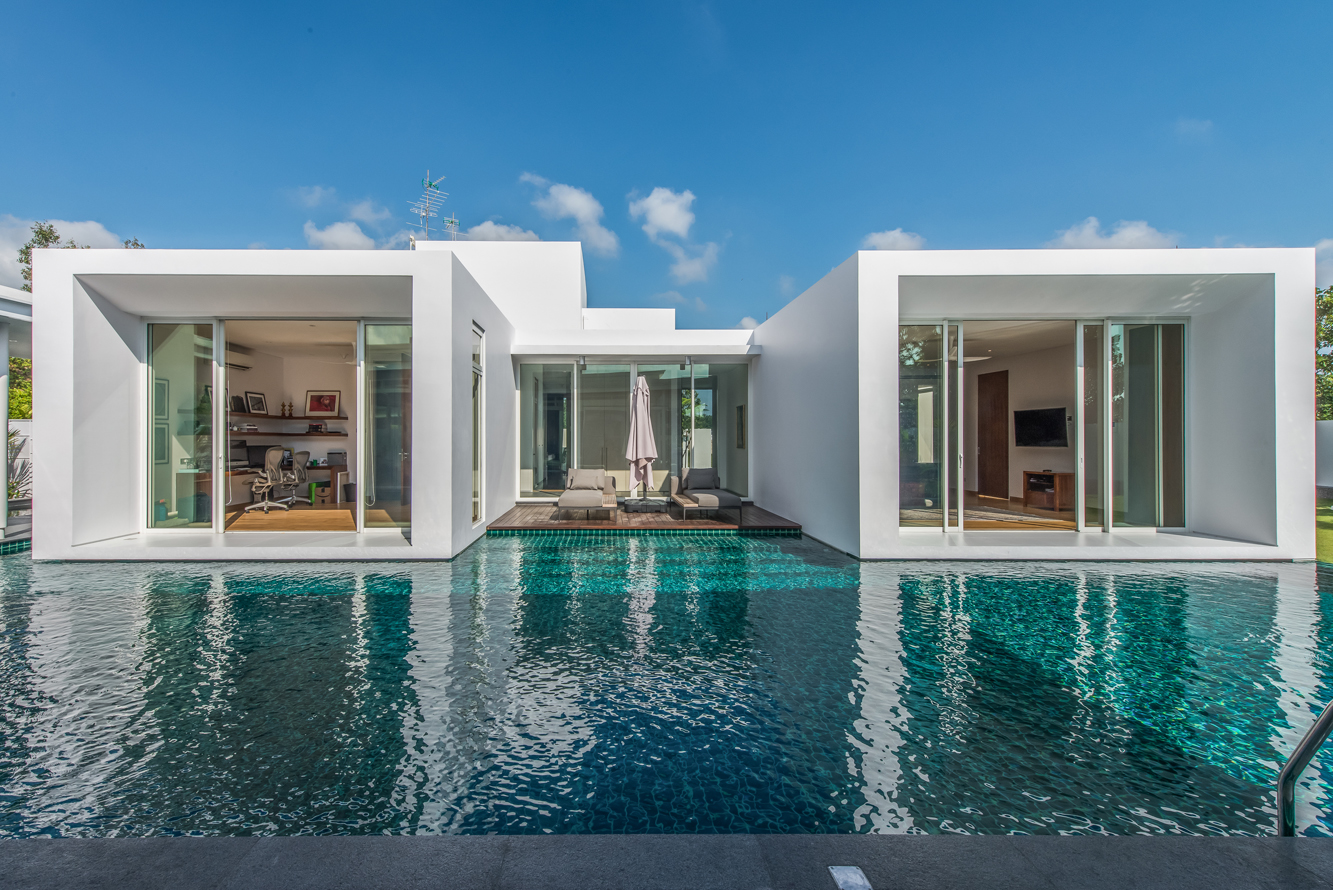 r house in johor bahru utilizes its surrounding for a cooled down